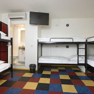 6 Bed Room - Bud Gett Hostels